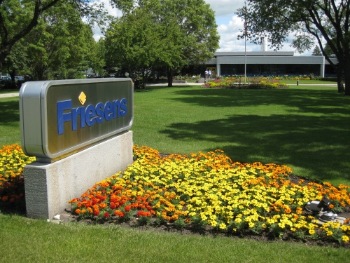Friesen Sign ... It's always great pulling into Altona and being welcomed by the Manitoba-friendly folks at Friesen Printers. (Photos by Larry Milberry)
