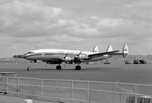Wilf White collection - Super Connie taxiing