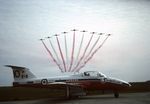 Yet another variation on the theme: this shoot was set up at Comox on April 9, 1990, while the Snowbirds were in spring training under team lead LCol Dan Dempsey. I shot this one using a steam-powered 35-mm Pentax SLR. James Jones cleaned up this old Kodachrome for your enjoyment.
