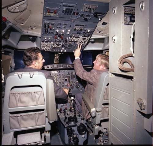 The cockpit of the EPA 737 simulator during approval at CAE in 1976. (Ed Bermingham)