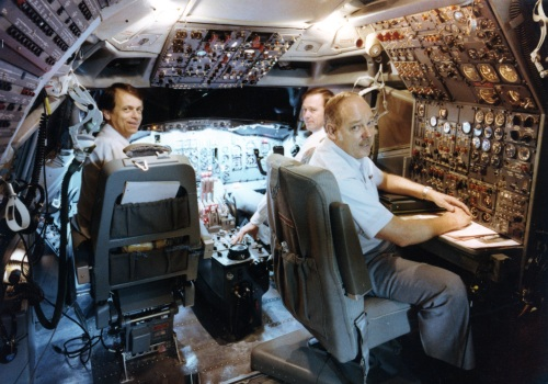 The TWA crew on the flight deck of their new 727 full flight simulator at CAE in Montreal during the acceptance phase. Until now, we didn't know the fellows' names. Now we know that senior TWA Captain George André is in the left seat. (Pierre Giroux)