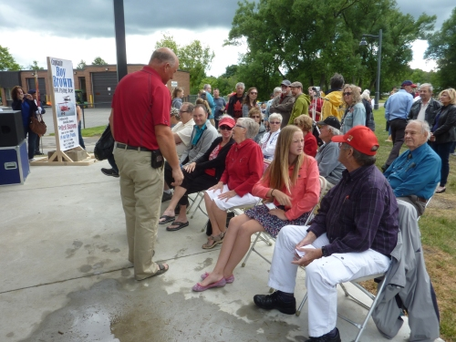 Photo 10 Roy Brown Stouffville Canada Day 2016 Crowd P1130089