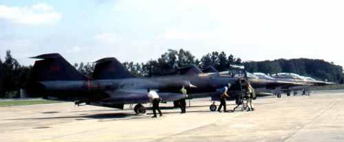 CF-104_12