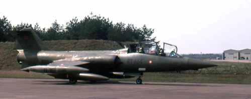 CF-104_14