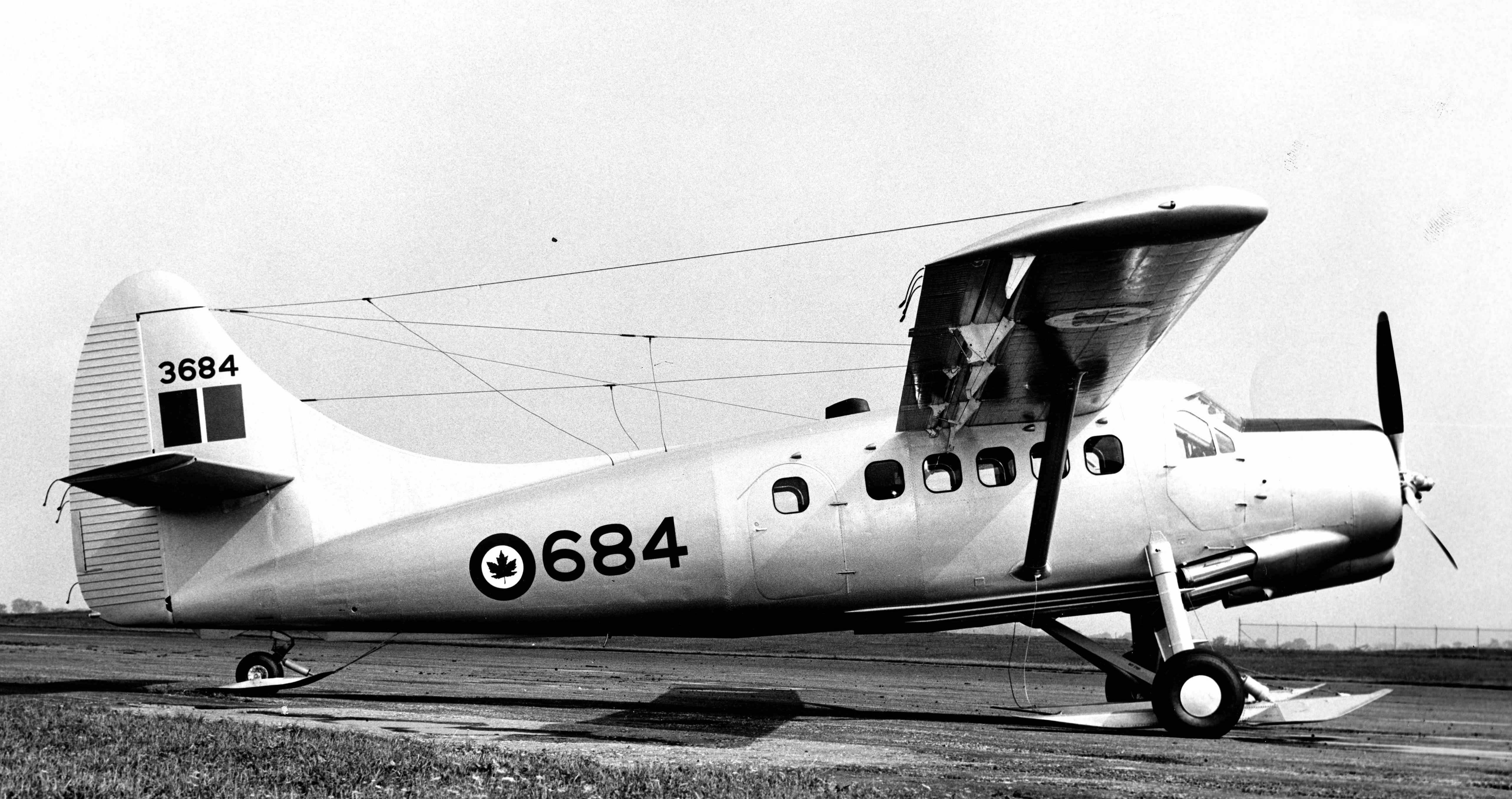 BLOG 25 HALFORD DHC Files 2-2019 Otter RCAF 3684 wheel_skis